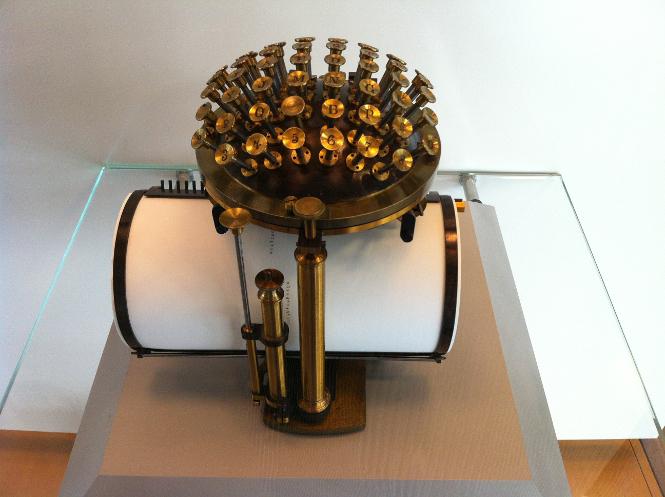 """""""Nixdorf Museum Schreibmaschine"""" von Oliver Ponsold"""